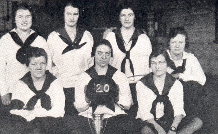 "University of Minnesota ""Trailers"" Basketball Team 1920"